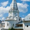 Храм в честь преподобных Зосимы и Савватия Соловецких Троице-Сергиевой Лавры