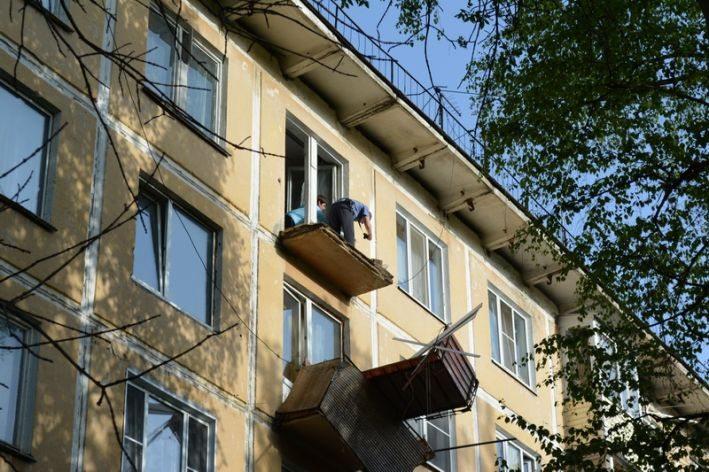 ВОдессе вжилом доме обвалился балкон