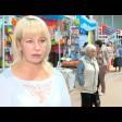 Новые товары и свежие продукты на выставке-продаже на теннисных кортах