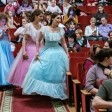 Православная молодёжь танцует во Дворце культуры