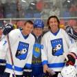Мостовой и Сычёв сыграли в хоккей