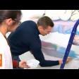 Александр Легков внёс лепту в роспись детской игровой комнаты в Районной больнице