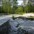 Плотина забурлила