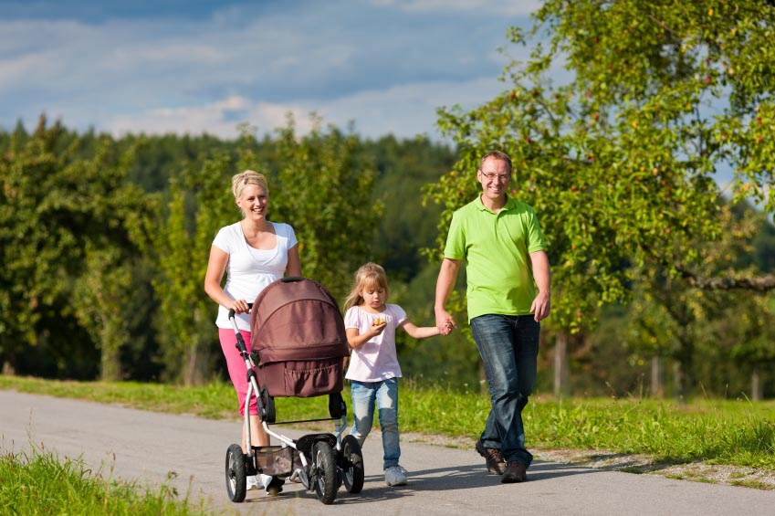 family-walking-outdoors_taxvak