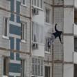 В Хотьково мужчина упал с 4 этажа, встал и поднялся в квартиру