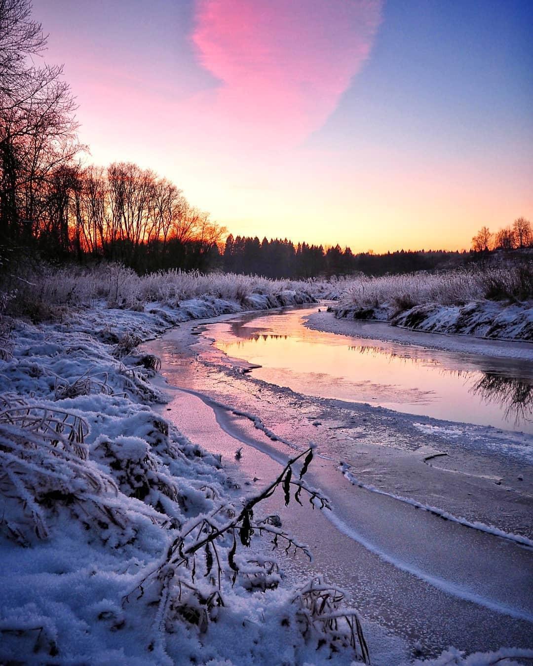 Закат на реке Пажа. Село Радонеж.