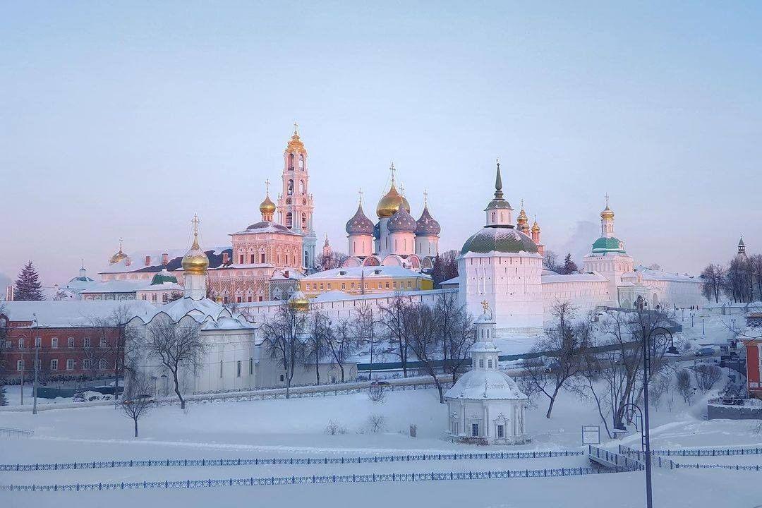 Рассвет над Троице-Сергиевой Лаврой.