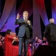 Лещенко спел в Посаде две песни и пообещал концерт летом