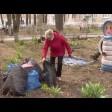 Субботняя уборка в Сергиевом Посаде: убирают окурки, разбивают клумбы