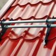 Нужны ли снегозадержатели на крыше частного дома?