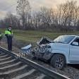 Водитель УАЗа катался по железной дороге и его снёс поезд
