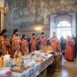 В Троице-Сергиевой Лавре совершили богослужения на Радоницу