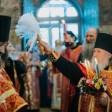Во второй день Пасхи в Лавре совершили праздничные богослужения