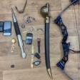 Саблю, нож и арбалет похитил серийный дачный вор в Подмосковье