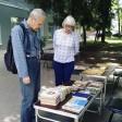 В скверике у библиотеки им. А.С. Горловского продолжает свою работу летний читальный зал