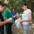 Активисты привели в порядок берег Загорского озера